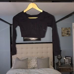 EUC Alexander Wang Uniqlo Black Crop Top Sz XS HOT